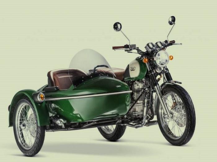 Inspiruje se Jawa strojem Mash 400 Family Side, který rovněž vyrábí se stejným technologickým základem čínský výrobce Shineray a přidá k nové třistapadesádce i sajdkáru?