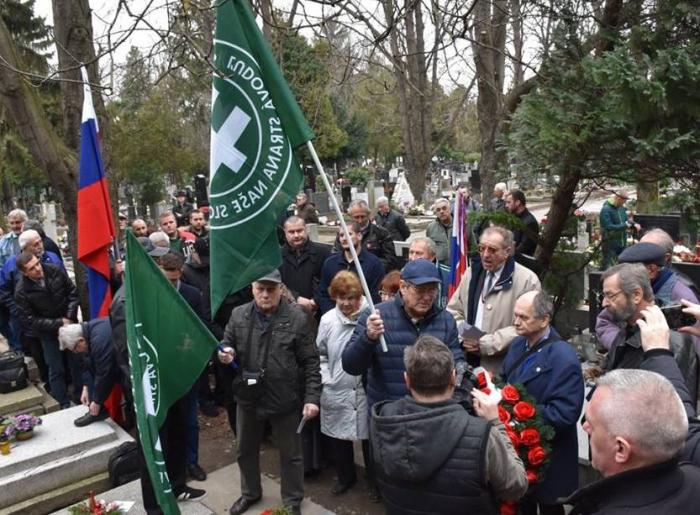 Nebýt Kotleby a jeho věrných, nemohli bychom se smát těm, kteří chodí plakat na hroby nacistických posluhovačů a válečných zločinců.