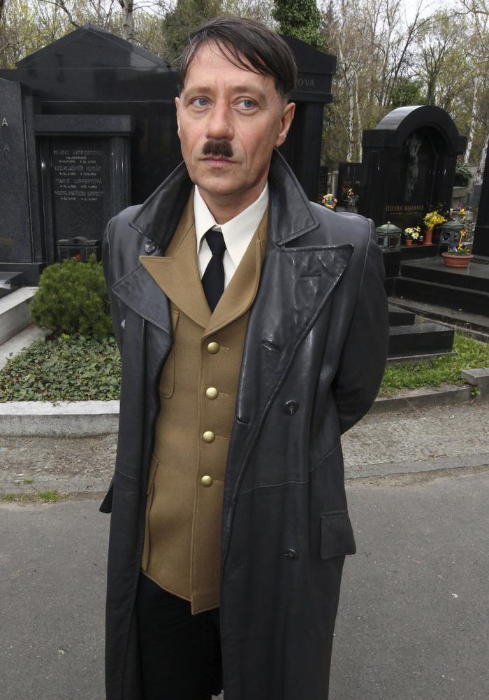 Pavel Kříž v roli Adolfa Hitlera získal nabídky na další role díky přesvědčivému vzhledu