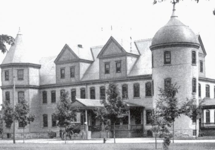 Zařízení ve Vinelandu navštěvoval Jan Masaryk v roce 1913. Nejednalo se ale o blázinec, nýbrž o speciální školu.