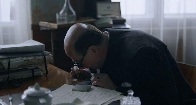 Karel Roden jako Jan Masaryk si ve filmu dopřává kokain. Opravdový Masaryk si nejspíše nikdy ani nešňupl.