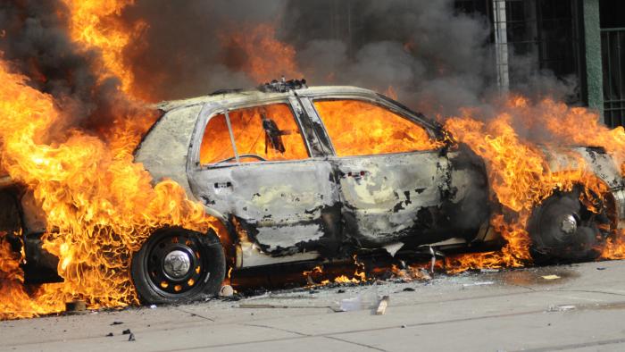 Cítil bych se neklidně, pokud by mi auto nikdo nezapálil. Měl bych pocit, že svou práci nedělám pořádně.