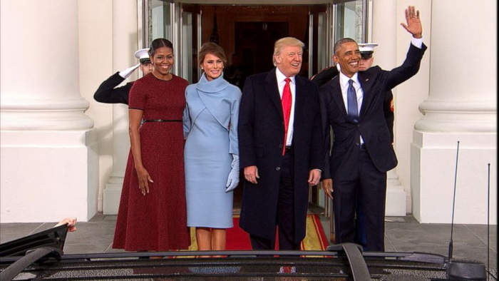 Obamovi byli v Bílém domě vystřídáni Trumpovými. Pokud by ale Michelle Obamová kandidovala na prezidentku a vyhrála, ještě by se sem mohli vrátit.