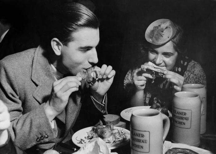 Skvostný 'debužírunk' v roce 1936