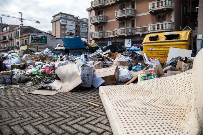 Palermo se taktéž potýká s problémy s popelářskými odbory, ale nezasvěcený turista nepozná vůbec nic.