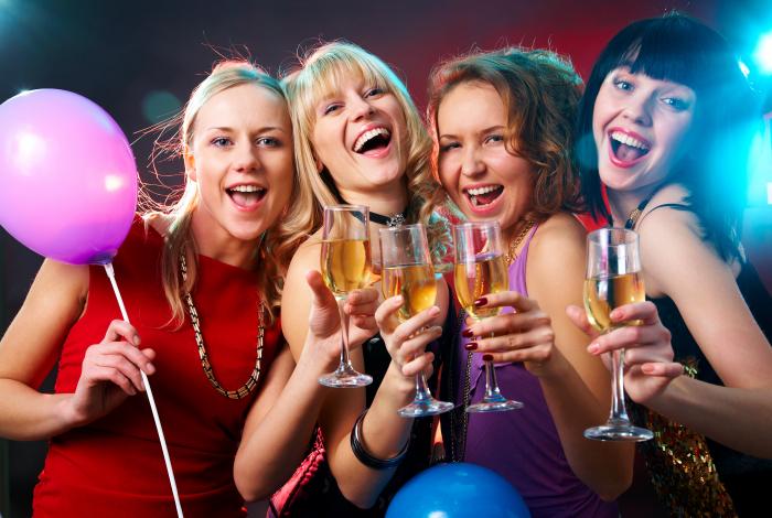 V únoru na alkohol raději zapoměňte. Lepší bude kniha.