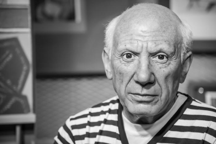 Co se politického smýšlení týče, netajil se Picasso svým odporem k válce a sympatiemi ke komunismu.