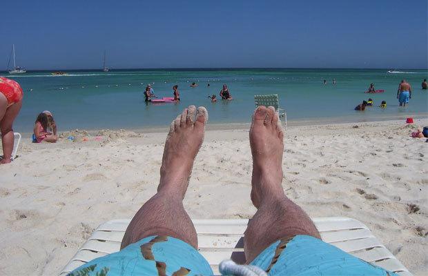 """""""Čumte, jak se mám parádně. Jsem na pláži, zatímco vy v práci"""""""