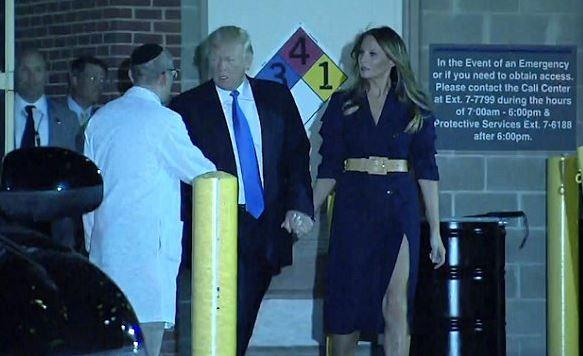 Po návštěvě těžce zraněného kongresmana se Trump spolu s manželkou Melanií sešel i s policisty, kteří u střelby zasahovali a se Scaliseho ošetřujícím lékařem.