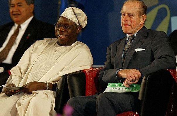 Prezident Nigérie si s princem Philipem také užil svoje.