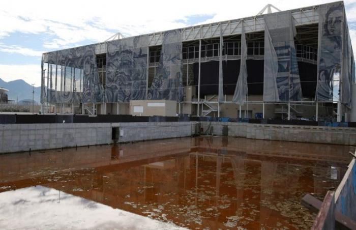 Plavecký stadion LOH v Riu je po roce ruina. Smutná ukázka toho, že moderní olympiáda je v prvé řadě přeborem ve vyhazování peněz.