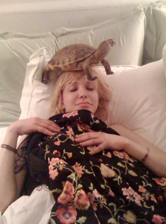 Courtney Love se svou tichou spolunocležnicí