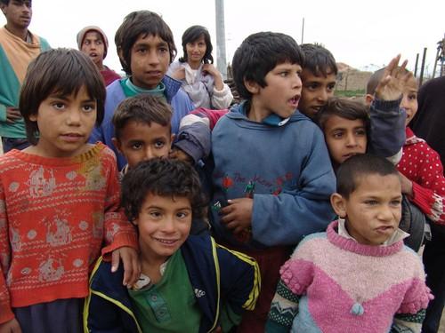 Romské děti (ilustrační foto) mají něco víc než neromské děti – letní tábor na etnickém principu