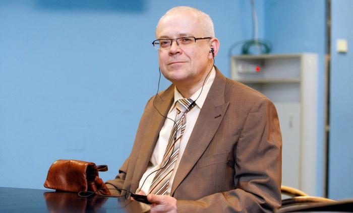 Expremiér Špidla je důchodový rekordman. S největší pravděpodoností je jedním ze dvou nejlépe placených seniorů v Česku, dost možná tím nejlépe placeným.