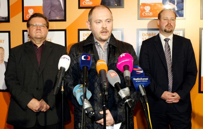 Před čtyřmi lety se domnívali, že ovládnou ČSSD, nyní Škromach s Haškem v politice již skončili a Tejc tak učiní v říjnu.