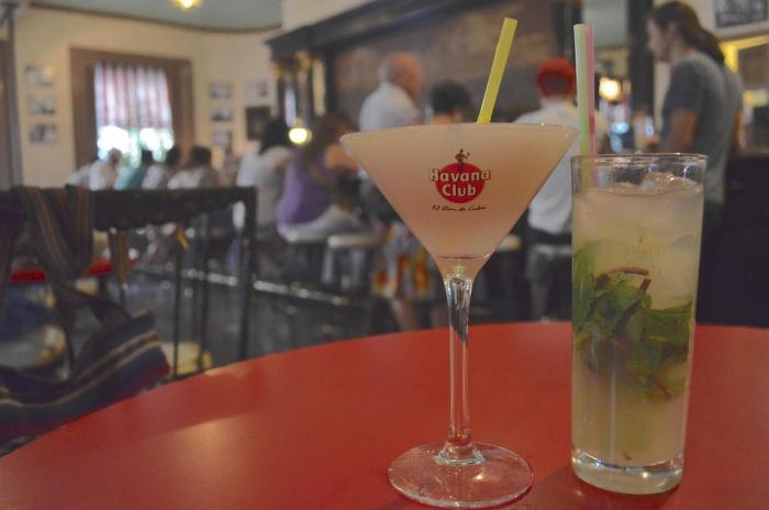 Dva nejznámnější koktejly s rumem – daiquiri a mojito