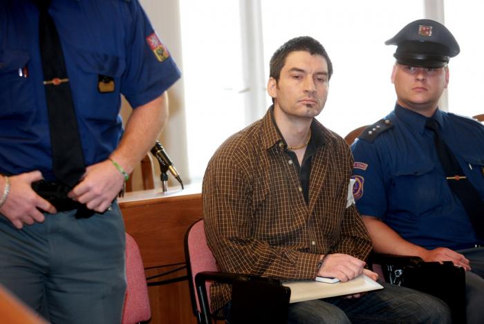 Vrah Novák u soudu neprojevoval žádné emoce