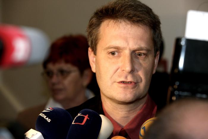 Poslanec Stanislav Grospič (KSČM) – závan totalitního marasmu