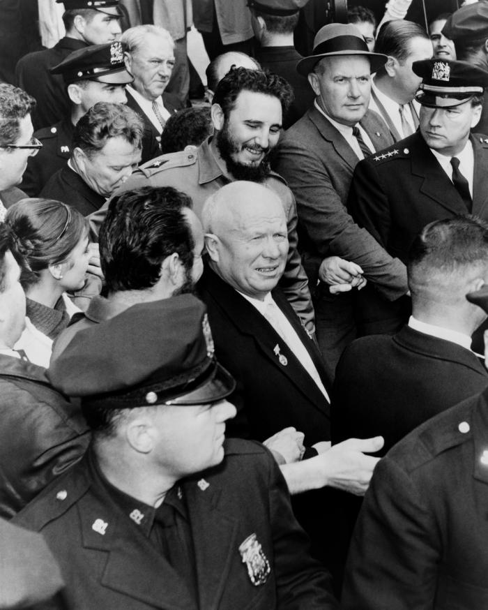 Na zahájení tehdejšího Valného shromáždění OSN přijel Chruščov 'stylově' se soudruhem Castrem