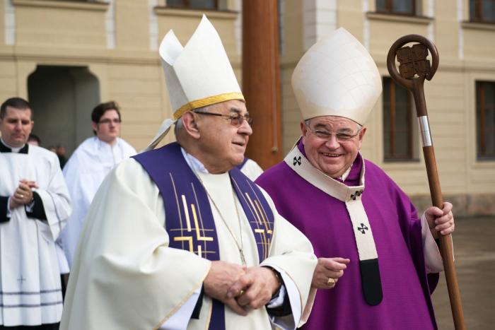 V úřadu pražského arcibiskupa vystřídal Vlka Dominik Duka. I on si za komunismu vytrpěl svoje.