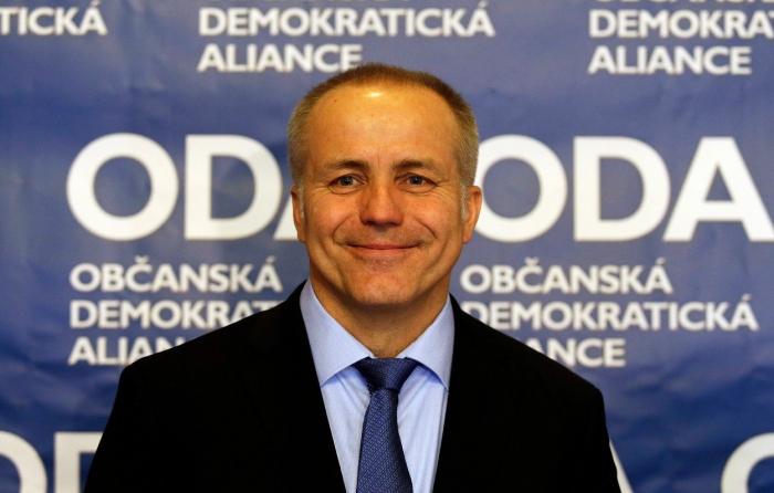 Miliardář Pavel Sehnal se rozhodl vzkřísit politickou stranu ODA. Nyní se ji nejspíše rozhodl pohřbít angažováním Jana Plavce.
