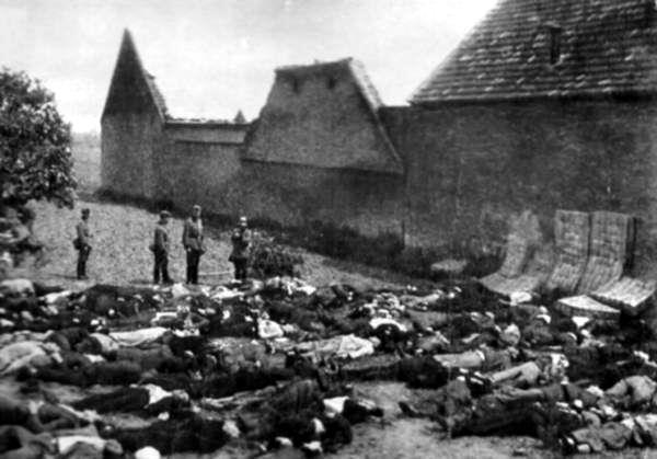 Nacisté v Česku popravili přes 340 tisíc lidí. Svou zrůdností vyniká vyhlazení obcí Lidice a Ležáky.