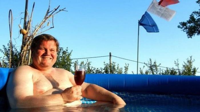 Zdeňkovi Škromachovi už zbyl jen jeho bazének.