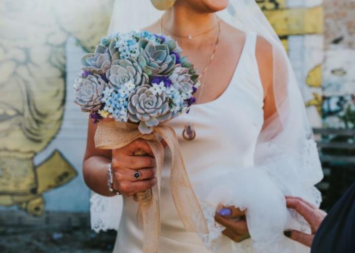 Sologamisté si dopřávají klasickou svatbu se vším všudy. Jen ten druhý z novomanželů chybí.