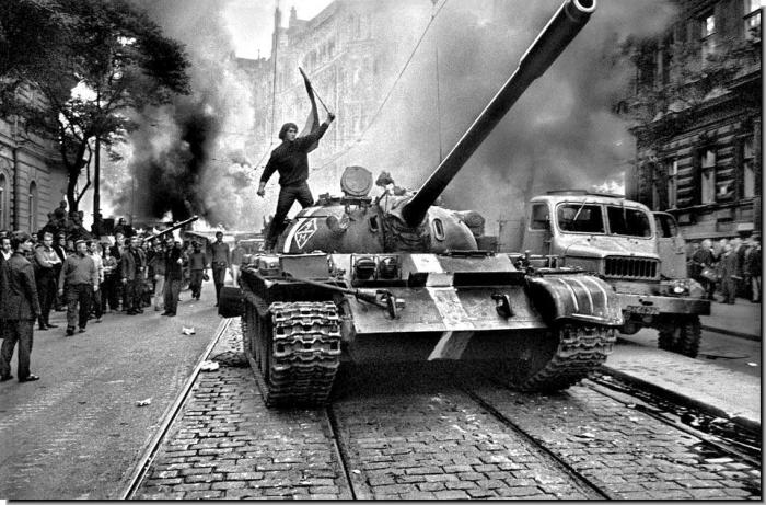Okupace Československa předchůdci Alexandrovců