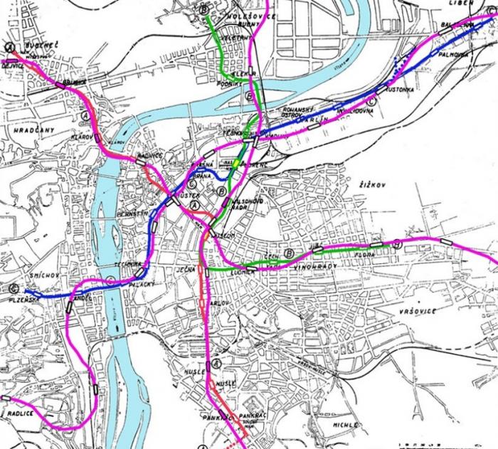 Srovnání původního návrhu s dnešním stavem – růžovofialově vyznačené trasy jsou ty současné.