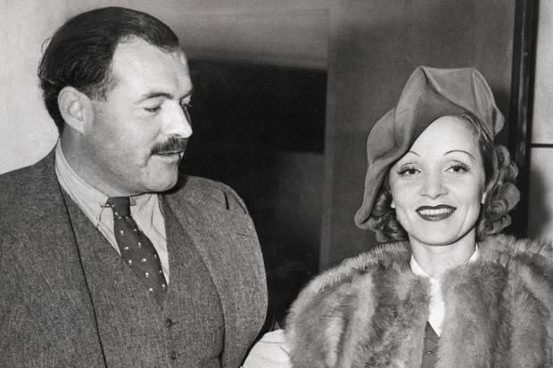 Kromě čtyřech manželek (poutavě o nich píše N. Woodová v knize Paní Hemingwayová) miloval i Marlene Dietrich, které psal koketní a mírně oplzlé dopisy. Jejich románek ale zůstal nenaplněn. Jak se Hemingway vyjádřil, jejich vášeň nebyla synchronizovaná.