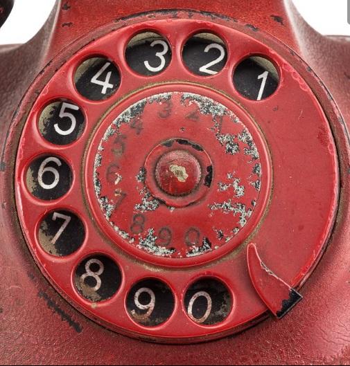 Číselník nacistického telefonního aparátu.