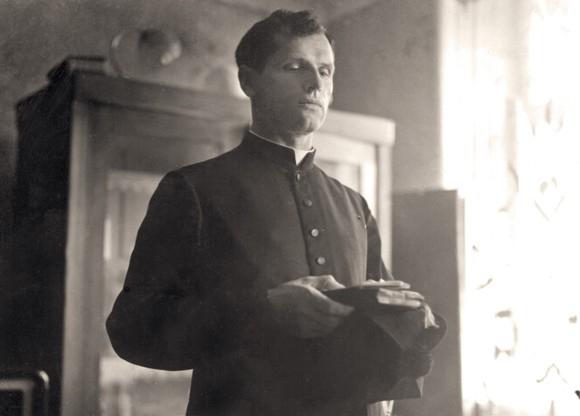 Pro svou lidskost a blízkost k věřícím byl Josef Toufar vždy oblíben. Znelíbil se až komunistům.