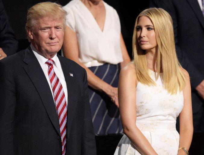 """Ivanka by jednou ráda šla v otcových šlépějích a stala se prezidentkou USA. Podle knihy a Bannona je ale """"tupá jak tágo""""."""