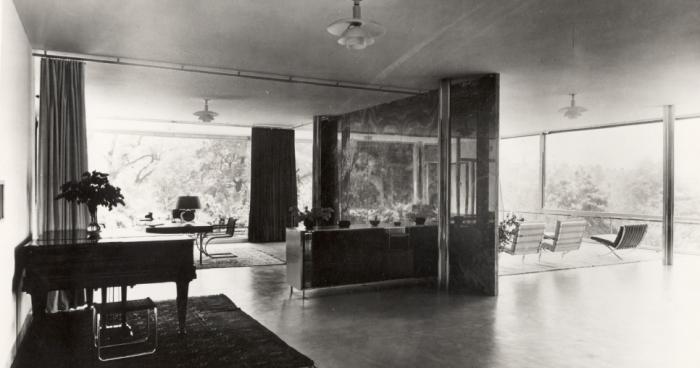 Interiér vily na archivním snímku.