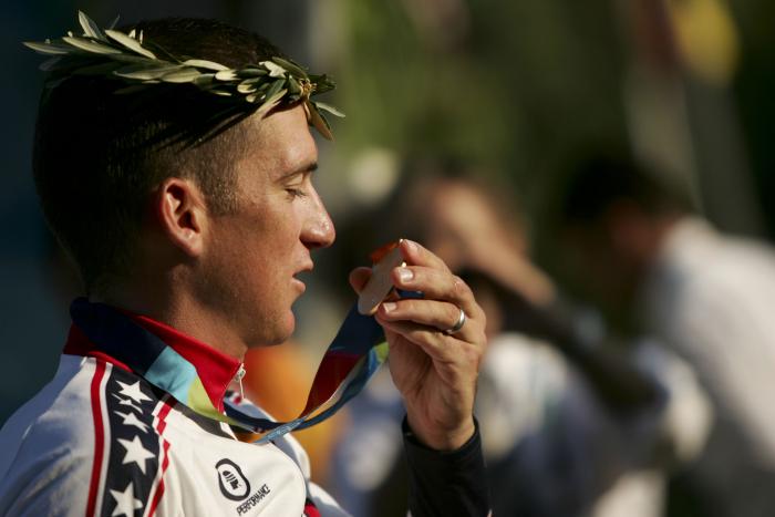 Je zvláštní, že zrovna cyklisté obvinění z dopingu mají ty nejúžasnější výmluvy.