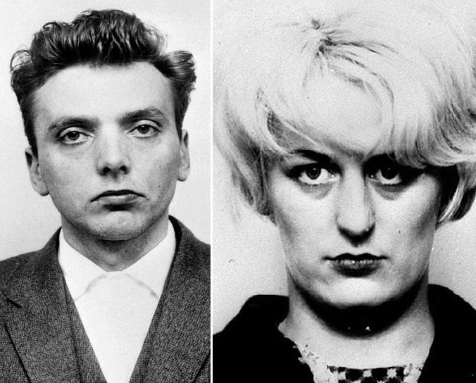 Policejní fotky Bradyho a Hindleyové po zatčení. Celá Británie volala po jejich popravě, smrti unikli jen díky zrušení trestu smrti.
