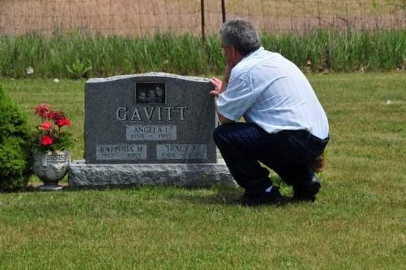 Až vám dojdou mrtví příbuzní, můžete o dovolené skočit i na cizí hroby