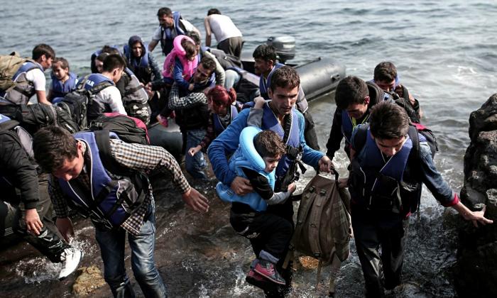 Za plastová víčka pošleme imigranty domů.