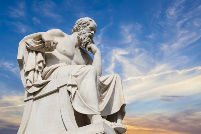 Absolventi filosofie mají také možnost pracovat jako antická zamyšlená socha