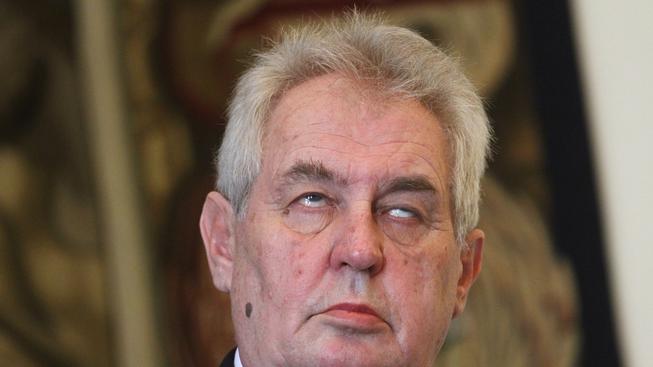 Obyčejný a poctivý člověk Miloše Zemana zbožňuje. Kdo ho nezbožňuje, je sluníčkář!