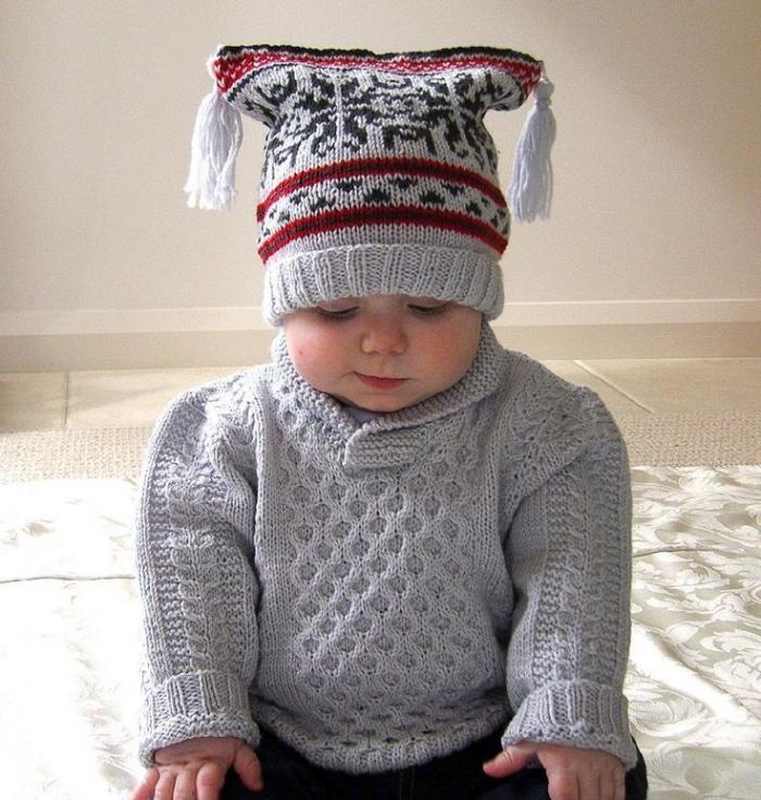 Pletený svetr udělá pod stromečkem radost každému dítěti