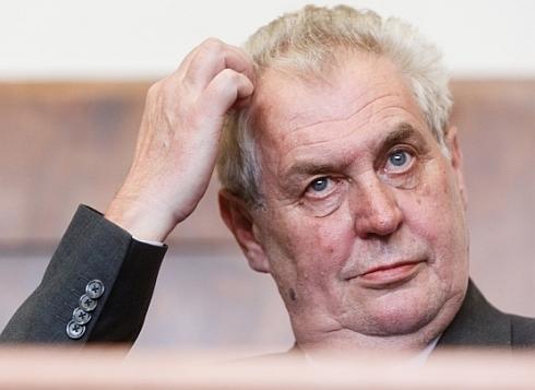 Podaří se Hilšerovi nebo některému jinému z občanských kandidátů porazit Miloše Zemana?