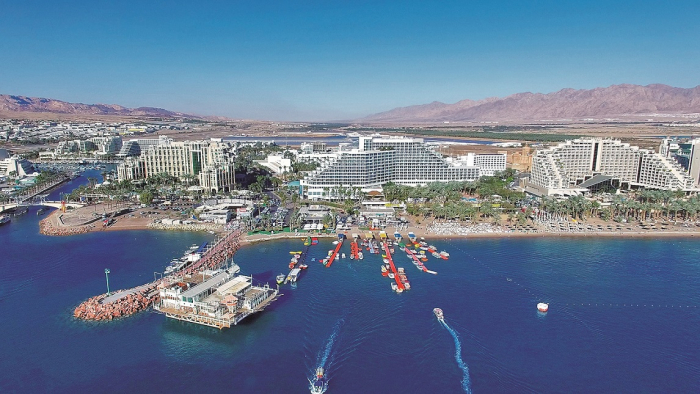 Eilat, izraelské centrum zábavy u Rudého moře.