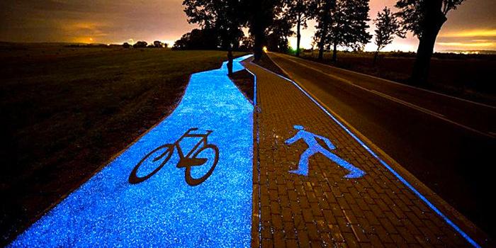 Polské cyklostezky – fosforové, tudíž svítící.