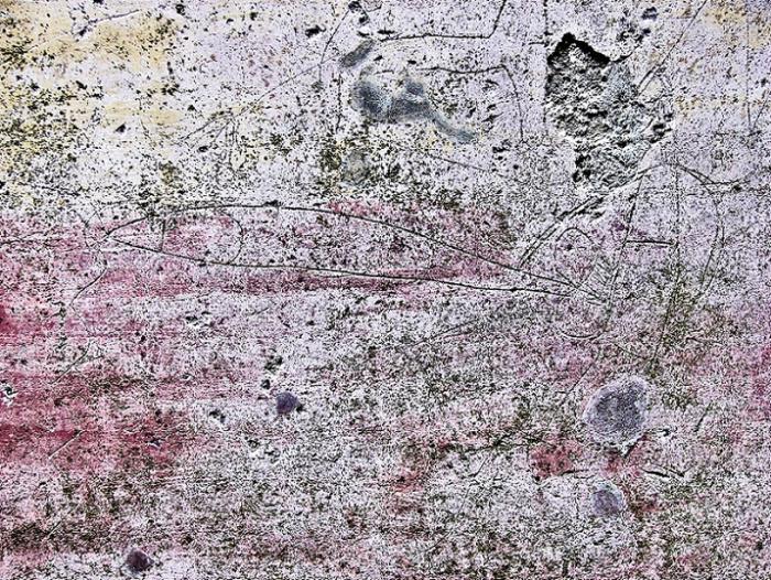 """Pompeje: tenhle zásah vypadá jak od současných puberťáků, jenže je starý jako samo tohle starověké město. Bývaly v něm vykřičené domy a zákazníci do jejich zdí ryli explicitní obrázky a psali věty typu """"Hic ego puellas multas futui""""."""
