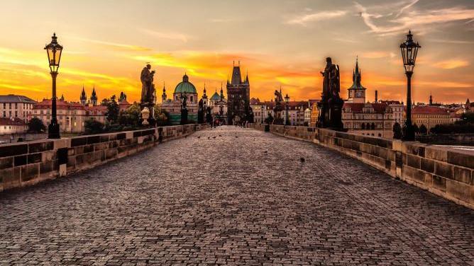 Praha kdysi a dnes: koukněte, jak se proměnila známá místa za poslední století