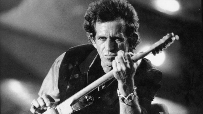 Rocková legenda a zakladatel The Rolling Stones Keith Richards slaví 74 let