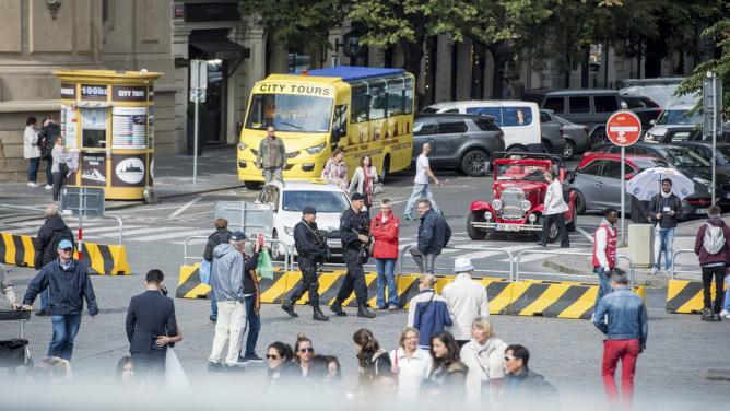 Velký úspěch vboji sterorismem. Od té doby, co jsou na Staroměstském náměstí zátarasy, nebyl vPraze spáchán ani jeden teroristickýútok