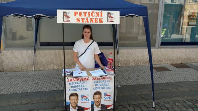 Škola, kterou studuje poslankyně SPD Tereza Hyťhová, odsoudila její xenofobní výroky vmédiích
